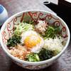 松玄 - 料理写真:12種類の薬味が入った「ぶっかけそば」。食べ進めるごとにいろいろな味が楽しめます。