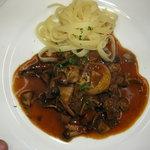 レストラン スリジェ - 牛肉の赤ワイン煮