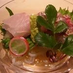 くろぎ - 鯛のお造り 下の 鯛の素麺に感動