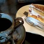 ストロベリーフィールズ - 本日のお勧めのコーヒー 苺のショートケーキ