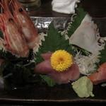 日本酒と鮮魚居酒屋 囲炉裏 - 刺身5点盛り