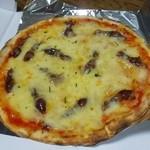 17765178 - 『旬感 』ホタルイカのピザでした!