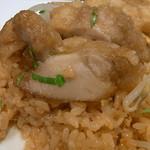 ジュンバタン・メラ - チキンあんかけだけに餡が飯粒をべちょべちょにしてます