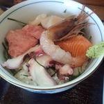 17771354 - 海鮮丼アップ