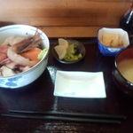 17771357 - 海鮮丼\800