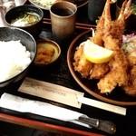海女茶屋 - エビ・カニ定食(大エビフライ2匹、カニ足フライ3匹、カニクリームコロッケ1個)@1,500