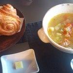 17775541 - パンとスープのセット