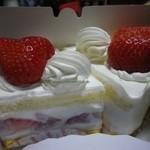17782178 - あまおうのショートケーキ