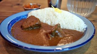 もうやんカレー 246 渋谷店 - 一頭から1kgだけ取れる。ビーフ ホホ肉煮込カレー