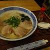 弁食 - 料理写真:豚骨チャーシューメン(800円)