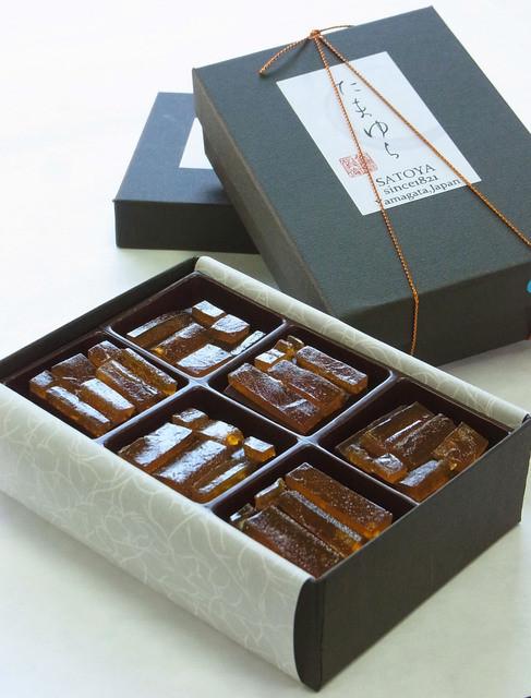 佐藤屋 本店 - 乃し梅チョコ「たまゆら」は大好評の新作和菓子。
