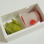 nikiniki - 季節の生菓子<arrivee、\500>(箱の中、2013年3月)