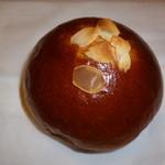 秀のパン工房 窯 - クリームパン