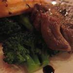 クワトロ チンクエ - ⑥牛ロースのステーキ、バルサミコソース