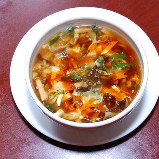 関口店では「刀削麺」をご提供しております。