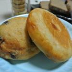 PUPAN - 豆パン方が好みだった。米油で揚げたパン。