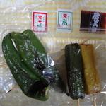串くら かつくら - 2013/3 京生麩のたれ焼き串(あわ、よもぎ)、万願寺唐辛子串