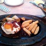 17797112 - 国産黒毛和牛ハンバーグランチ+目玉焼き