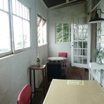 川辺の茶屋 - 半テラス席