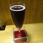 17802627 - 「樽生スパークリングワイン(赤)」(630円)