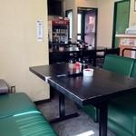17806123 - ソファー席、テーブル席が有ります