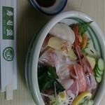 すし盛 - 上ちらし寿司。大きなネタがたくさん♪