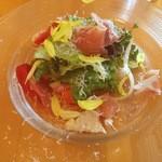 17807821 - ランチコースの前菜(生ハムと野菜)