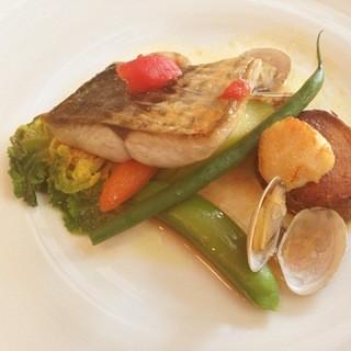 ポチロン - ランチコースの魚料理(さごしのムニエル)
