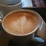 カフェ チーポ・オイト - (p)size cappuccino
