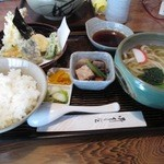 丸山うどん店 - ¥830