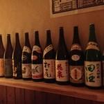 居酒屋源六 - こだわりの日本酒や焼酎の数々