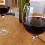 オステリア - グラスワイン500円