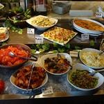 サルヴァトーレクオモ&バール - しっかりした料理も並んでいます