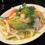 チョップスティックス - 2013.3 アボガドと海老のサラダ(630円)