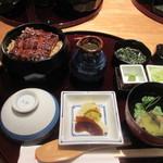 hitsumabushiwashokubinchou - 2人の幸そうな笑顔を見ながら話を聞いてるとお目当ての料理が届きました。