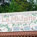 ラ・ミシェット - 目印の大きな店名