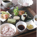 Japanese Vegetable House 菜 - 【井の頭花見御膳】色々なお料理をちょっとずつ楽しめるお花見の時期限定のお楽しみランチ。3/19~