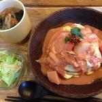 Cafe Slow Osaka - 有機トマトソースのオムライスセット