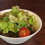 ゲンロ&カフェ - ランチセットのサラダ