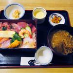 うるし山 - 海鮮三陸丼セット