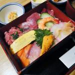 うるし山 - 海鮮三陸丼