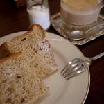 17846452 - 紅茶のシフォンケーキ
