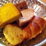 17849635 - 最初のパンは6種類