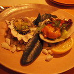 びすとろアバロン - 奥松島産カキのゆずバター焼きとホッキ貝の軽いスモーク
