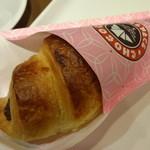 サンマルクカフェ - いちご大福チョコクロ:180円