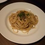 コモディーノ - マッシュルームのスパゲティ 香り高いオイルソース