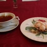 Lakshimi - 桜紅茶と桜のケーキ