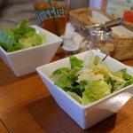 オステリア ヨシ - ランチに付いてくるサラダ