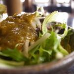木空人 - めかぶを使ったドレッシングのサラダ