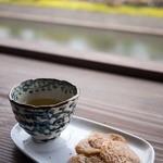 ロカンタ - 料理写真:ロカンタ (LOKANTA) へらへら餅